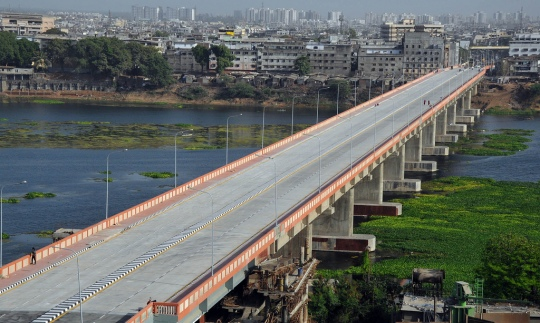 The Sardar bridge sits over the Tapti river:one of five bridges In Surat (one is under construction)